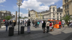 Walking and relaxing in Karlsplatz, Munich Stock Footage
