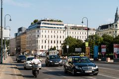 Rush Hour Traffic On Downtown Streets Of Vienna Stock Photos
