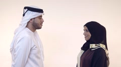 Emirati couple discussing. Stock Footage