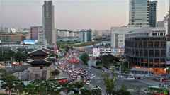 Seoul historic gate and traffic Stock Footage