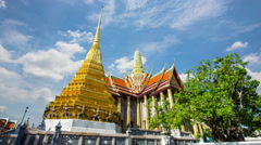 Wat Phra Si Rattana Satsadaram or wat phra kaew beautiful architecture Stock Footage