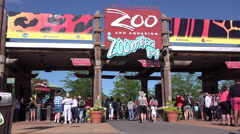 People entering Columbus Zoo and Aquarium 4k Stock Footage