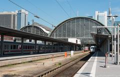 Frankfurt main railway train station Stock Photos