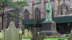 Statue in Trinity church graveyard Stock Footage