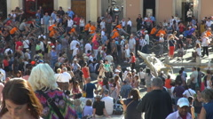 Crowded Spanish Steps tourist people visit Rome ancient Old Boat Fountain emblem Stock Footage