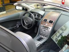 Aston Martin DB9 Kuvituskuvat