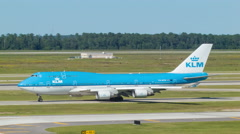 KLM Boeing 747 Wide Taxiing in Houston at IAH Airport Stock Footage