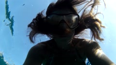 Selfie Freediver in mask breathes out Stock Footage
