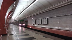 Metro train (in 4k with audio) pulling in to Moscow metro station, Russia. Stock Footage