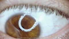 Macro extreme cu eye iris, twitching,disturbing, slow motion Stock Footage