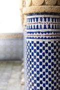 Blue and white oriental pattern at a pillar Kuvituskuvat