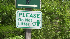 Please do not litter sign on hike path 4k Stock Footage