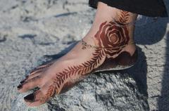 Omani womans foot with Henna tattoo Oman Asia Stock Photos