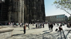 Cologne dom - crowd of tourists Stock Footage