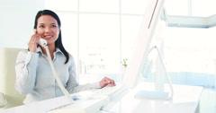 Asian businesswoman on the phone Arkistovideo