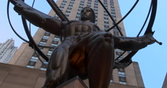 4K Zoom out - Iconic Atlas Statue with the Rockefeller Center in the background Stock Footage
