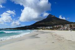 Beautiful Camps Bay Beach and Lion Head Mountain Chain, Cape Town, South Afri Kuvituskuvat