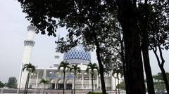 Islamic Mosque Architecture - Masjid Sultan Salahuddin Abdul Aziz Shah Stock Footage