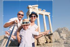 Happy family selfie travel photo cropping for share in social network Kuvituskuvat
