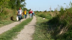 Refugees crossing the border from Serbia to Croatia in Tovarnik Stock Footage