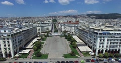 Flight over the famous Aristotelous Square in Thessaloniki, Greece Stock Footage
