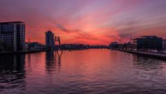 Timelapse Berlin, Sunset, Molecule Man,  Elsenbrücke, Spree - stock footage