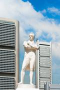 Sir Stamford Raffles statue on Clark Quay in Singapore Stock Photos