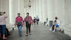 Tourists visiting the Bernini's colonnade: timelapse Stock Footage