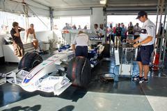 ROME, ITALY - JUNE 23 2007. Formula 1 Sauber Bmw box Kuvituskuvat