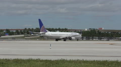 United Airlines Boeing 737 in Fort Lauderdale 4K Stock Footage