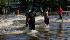 Heavy water flood in bangkok thailand Stock Footage