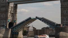 Tower bridge closes its drawbridge Stock Footage