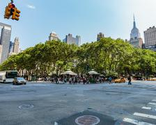 Bryant Park at 42nd and Avenue of the Americas, NYC Stock Photos