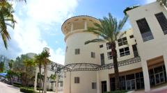 Curbside restaurant Miami Beach 2 Stock Footage
