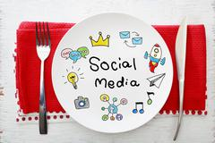 Social Media concept on white plate Kuvituskuvat