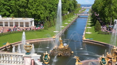 PETERHOF, ST. PETERSBURG, RUSSIA - JUNE 28, 2015: Palaces and gardens of Stock Footage