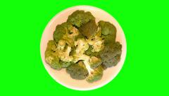 4k – Big fresh cauliflower on plate Stock Footage