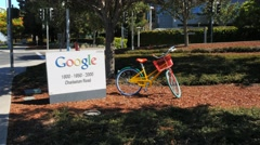 Google sign pan Stock Footage