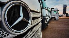 Lviv, Ukraine - OCTOBER 15, 2015: Mercedes Benz star experience. The interesting Stock Photos