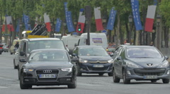 Traffic on Avenue des Champs-Elysees, Paris Stock Footage
