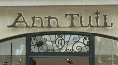 Ann Tuil shue store on Avenue des Champs-Elysees, Paris Stock Footage