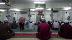 Muslims in the mosque recites the Takbir of Eid Stock Footage