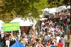 Enormous Crowd Moves Through Exhibit Tents At Atlanta Dogwood Festival Stock Photos