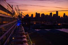 Brooklyn New York Sunrise From the Large Cruise Ship Kuvituskuvat
