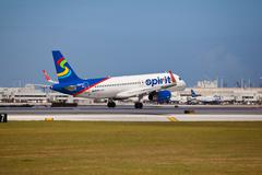 A Spirit Airlines Airbus A320 landing Stock Photos