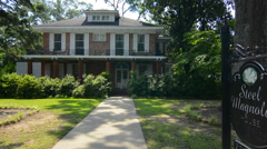 Natchitoches Louisiana famous Sweet Magnolia House built in 1830s and site fot Stock Footage