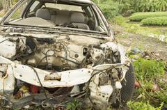 Car wreck crash crush die collision drunk damage fix loss Kuvituskuvat