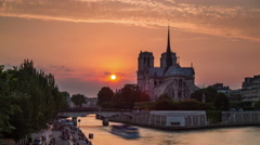 Sunset notre dame de paris river bay panorama 4k time lapse france Stock Footage
