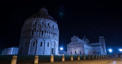 Night Time Lapse of Piazza dei Miracoli in Pisa Stock Footage