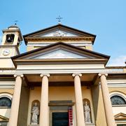 Column old architecture in italy europe milan religion       and sunlight Kuvituskuvat